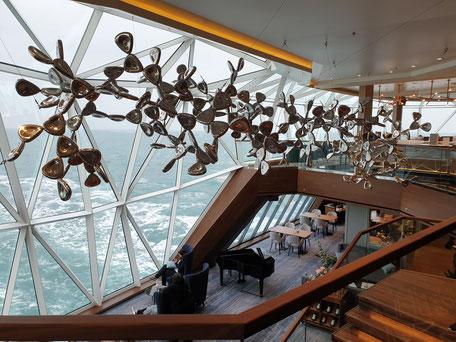oben Diamant Bar unten Esszimmer