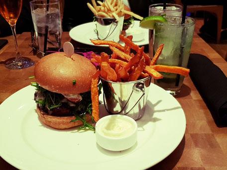 Holsteins Las Vegas Burger