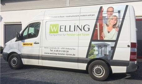 Fahrzeugbeschriftung eines Transporters der Firma Welling.