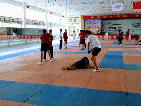tuishou dans l'école de Me Zhang Baozhong