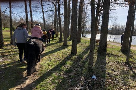 Balade à cheval en Pays de Cocagne, École d'équitation du Dicosa, Terres d'Autan, Office de Tourisme Puylaurens et Dourgne, campagne lauragaise, Dicosa, base de loisirs des étangs à Saïx