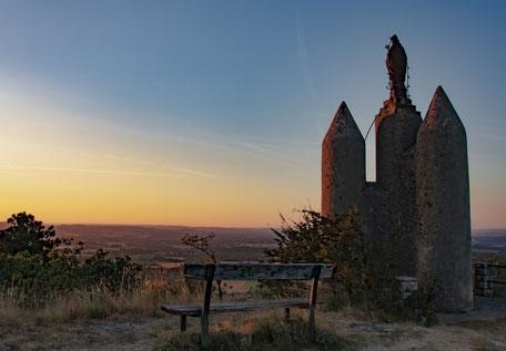Credit MJC Dourgne, Saint-Stapin, rando Dourgne, randonnée Montagne Noire, coucher de soleil, point de vue, office de tourisme Terres d'Autan, que faire à Dourgne, Pays de Cocagne, balade en famille