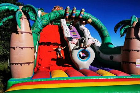 Jeux gonflables et toboggans pour enfants au Domaine du Koukano en Pays de Cocagne, Maurens Scopont, que faire à Puylaurens, que faire à Dourgne, office de tourisme