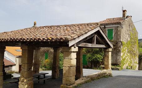 Halle d'Escoussens en Montagne Noire, Office de tourisme Dourgne et Puylaurens, Terres d'Autan, randonnées