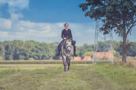 Balade à cheval en Pays de Cocagne, Terres d'Autan, Office de Tourisme Puylaurens et Dourgne, campagne lauragaise, Montagne Noire, randonnée équestre,  que faire à Puylaurens, que faire à Dourgne