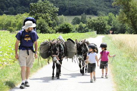 Balade à cheval en Pays de Cocagne, balade à dos d'ânes,  Ferme d'En Gout, Terres d'Autan, Office de Tourisme Puylaurens et Dourgne, Montagne Noire