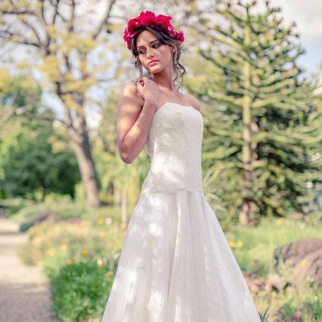 Brautkleid Seide mit Spitzencorsage