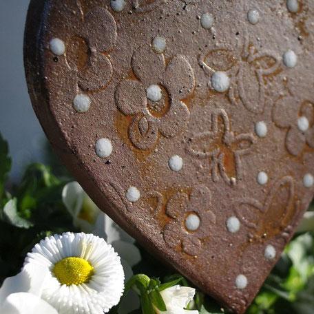 Steinzeugkeramik Herz Gartenstecker