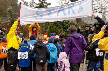 Spendenlauf des Fördervereins für ein neues Klettergerüst. (2014)