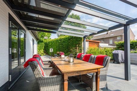 terrasoverkapping, veranda, serre, tuinkamer, tuinoverkapping, overkapping, zonwering buiten, zonwering haarlemmermeer, zonwering haarlem, zonwering amsterdam, screens, soliszon