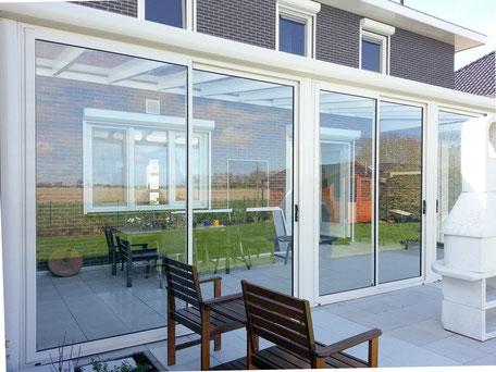 glaswanden, overkapping, tuinkamer, veranda, serre, glasafdichting, schuifpui, schuifwanden, vouwwanden, buitenleven, haarlemmermeer, verano, zonwering buiten, solis zonwering