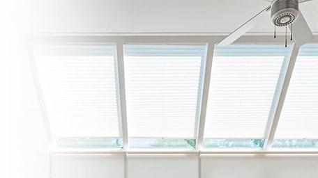 raamdecoratie, plisségordijnen, plissé, verano, raambekleding, binnenzonwering, zonwering binnen, solis zonwering