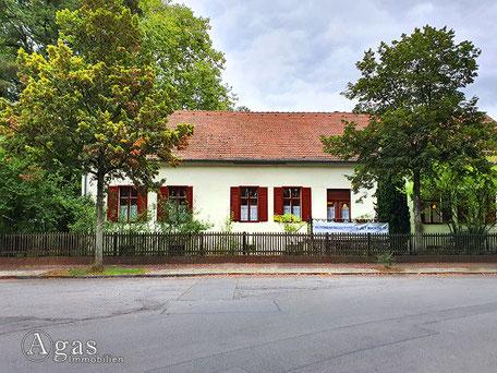 Seniorenfreizeitstätte Alt Buckow  Alt-Buckow 18, 12349 Berlin