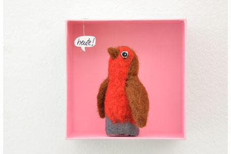 Rotkehlchen Fingerpuppe in einer Box