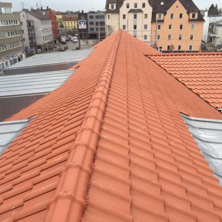 Ziegeldach Dachdecker in Augsburg