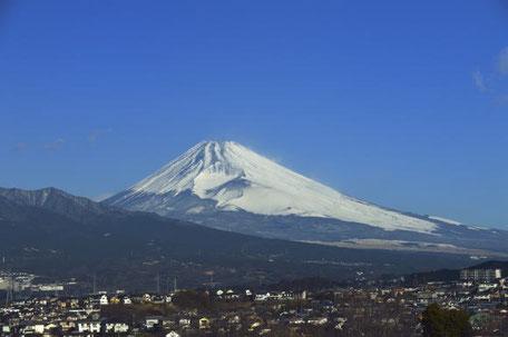 当施設屋上からの富士山