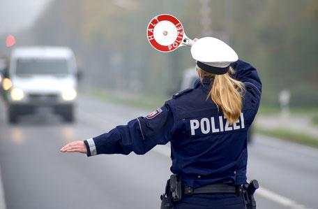 Bild Thema Versicherungen Öffentlicher Dienst und Beamte Maximilian Moos, Versicherungsmakler Neustadt an der Weinstraße
