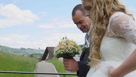 Hochzeitsvideo Szene von Kimberley und Ihrem Vater