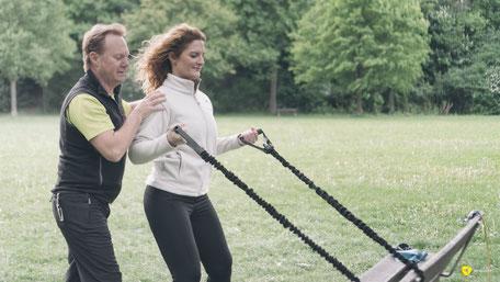 Rainer Höhnle Stern macht Vitaltraining und Fitnesstraining sowie NMS im Park