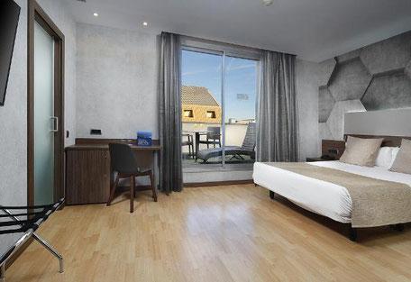 Хорошие трехзввездочные отели в Готическом квартале Барселоны