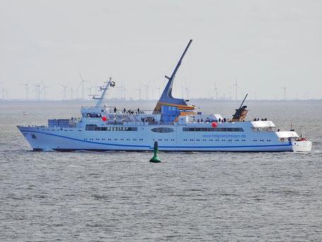 Die MS Helgoland ist das neue Seebäderschiff der Reederei Cassen Eils