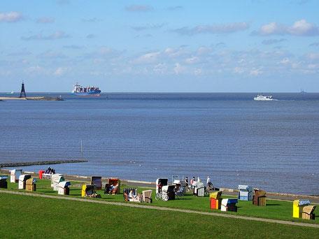 Schiffe in der Grimmershörnbucht von Cuxhaven