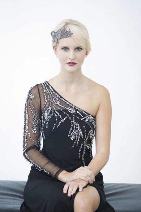 Haarschmuck 20er Jahre: eine Glitzersteine-Kreation in Schwarz. Kopfschmuck Gatsby Style. Edle Weihnachtsgeschenke.