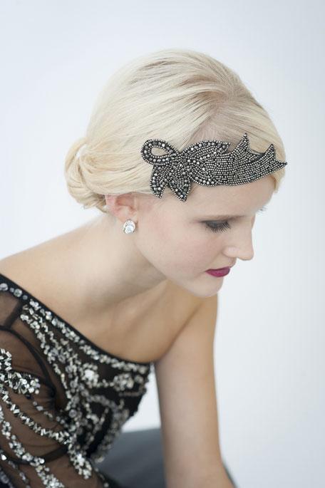 Haarschmuck 20er Jahre: eine Glitzersteine-Kreation in Schwarz. Kopfschmuck Gatsby Style. Weihnachtsgeschenk.