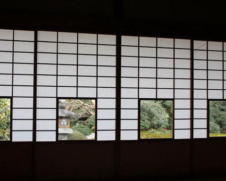 庭が見える障子【ノウハウ】ふすま・障子張り替え専門店の稼げるホームページの作り方