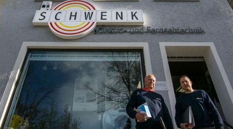 Senior und Junior Schwenk - Elektriker