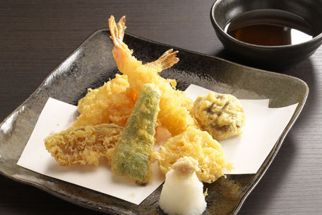 天ぷらの盛り合わせ 1,200円+税