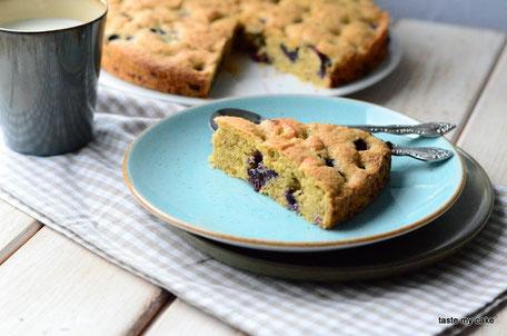 glutenfreie und vegane Backmischung für einen Mohn-Kirsch Kuchen mit Zuckerglasur aus Zitronensaft