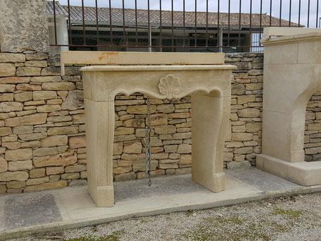 Steinkamin antik aus Naturstein