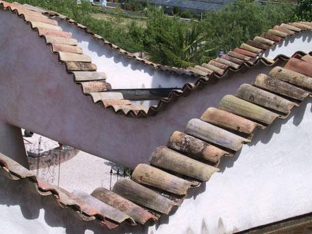Mediterrane Dachziegel Mönch und Nonne