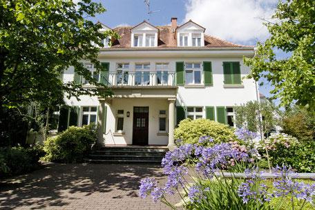 Heidelberg vollmöblierte Wohnung - 20er Jahre Villa