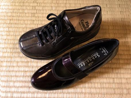 ②写真上のオブリークトゥの靴が合います。写真下のようなセミラウンドトゥの幅も細い靴は合いません。足部と靴の形を見比べれば一目瞭然です。