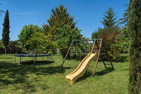 Domaine de Vielcastel, votre location saisonnière pour vos vacances en famille, avec jeux pour enfants