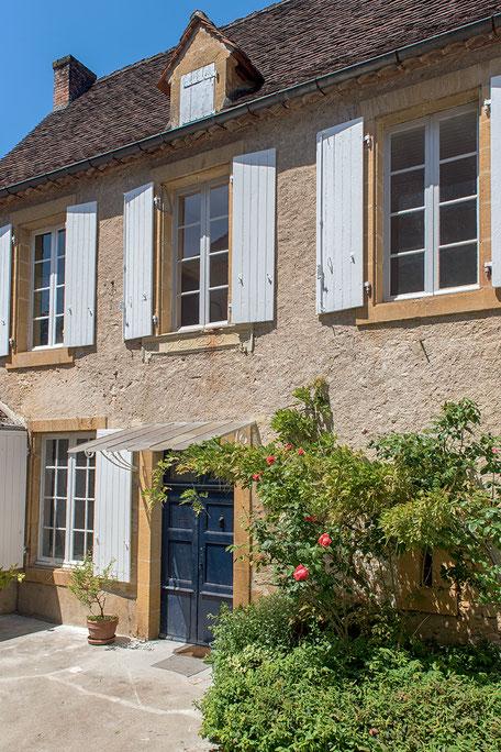 Domaine de Vielcastel, votre location saisonnière pour vos vacances en famille, deux maisons complémentaires