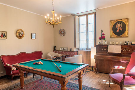 Domaine de Vielcastel, votre location saisonnière pour vos vacances en famille avec billard
