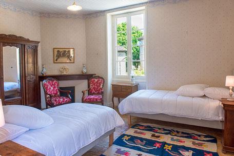 Domaine de Vielcastel, votre location saisonnière pour vos vacances en famille, chambre Champollion