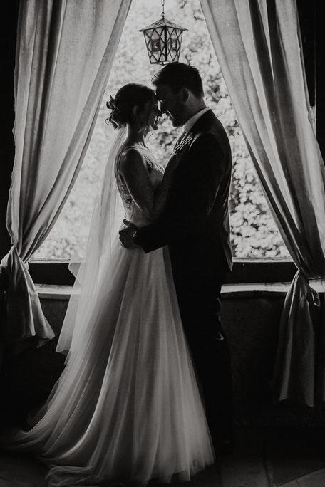 Braut und Bräutigam bei Shooting Hochzeitsfotos bei Bad Kreuznach