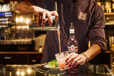 Gastrorollbar, Bar, Drinks, mixen, Cocktail, Trojka,