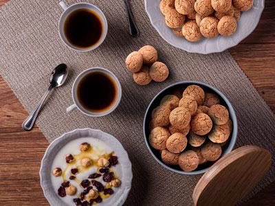 Wunderbares italienisches Gebäck. Bei uns finden Sie Cantuccini, Amaretti, Mini Amorelli und Mandelgebäck aus Sizilien.