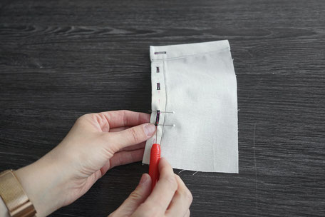 knopfloch-aufschneiden-nahttrenner-stecknadeln-sichern
