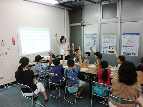 学びのフェスでの企業の授業風景