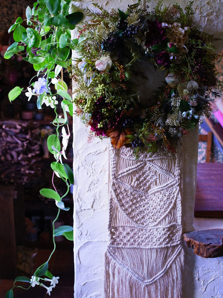 アーティフィシャルフラワーのリース(マクラメ編み) ¥37,800(税込)