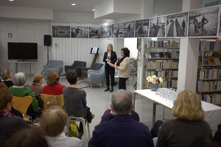 Chantal Picazo, directrice de la médiathèque présente la soirée  dédiée à la Journée des Droits de la femme.