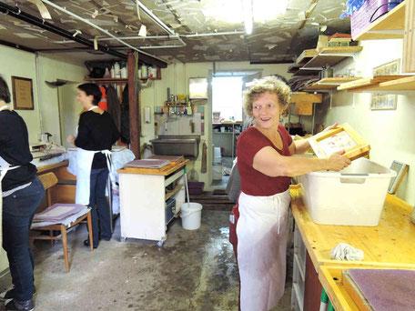 Papierworkshop in der PAPIER-art Werkstatt