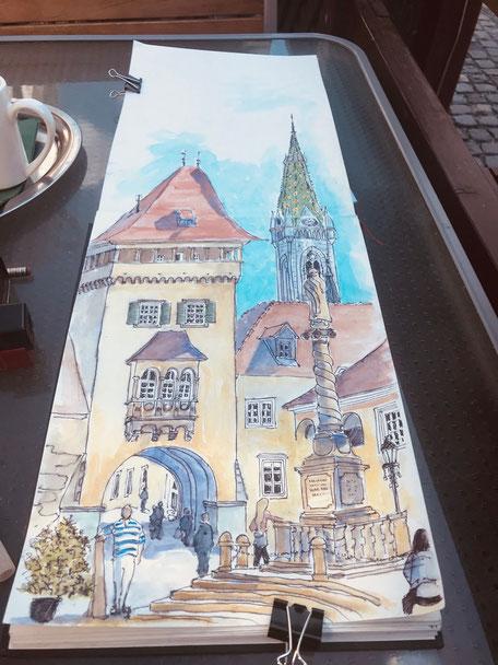 Birgit_Lippeck_Jurisisc tér – Heldentor_Turm der Herz-Jesu-Kirche und Pestsäule