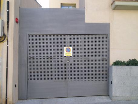 puerta basculante barcelona